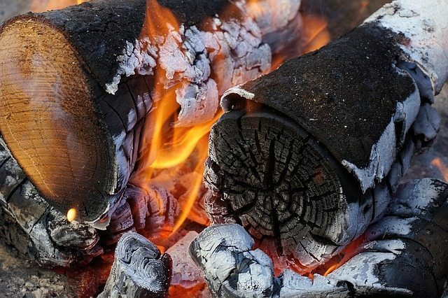 5 Simple Steps To Starting Your Braai Fire The Right Way
